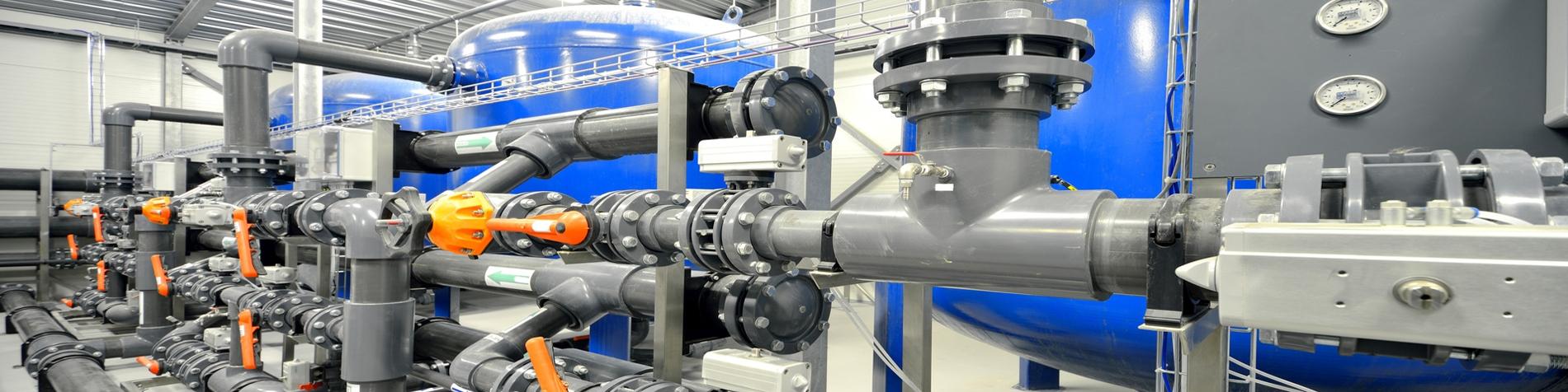Rohrleitungssysteme (© shutterstock_ID 140272729)