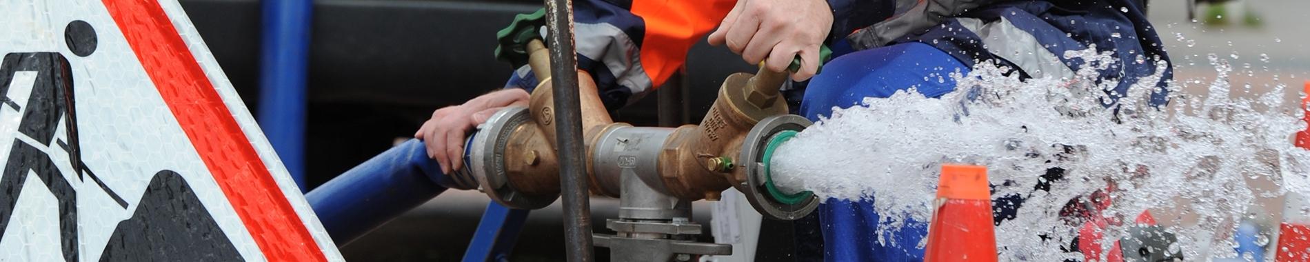 Hydrant mit Wasserstrahl, RWW